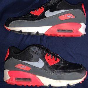 Nike Air Max 90 size 5Y